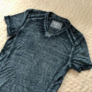 BUCKLE Black V-Neck T-Shirt